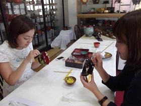 日本の伝統工芸会津塗り蒔絵体験