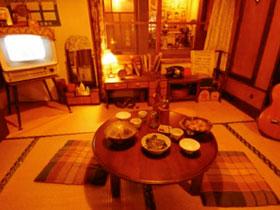 昭和30年代の居間と会津若松の街中10店舗を再現