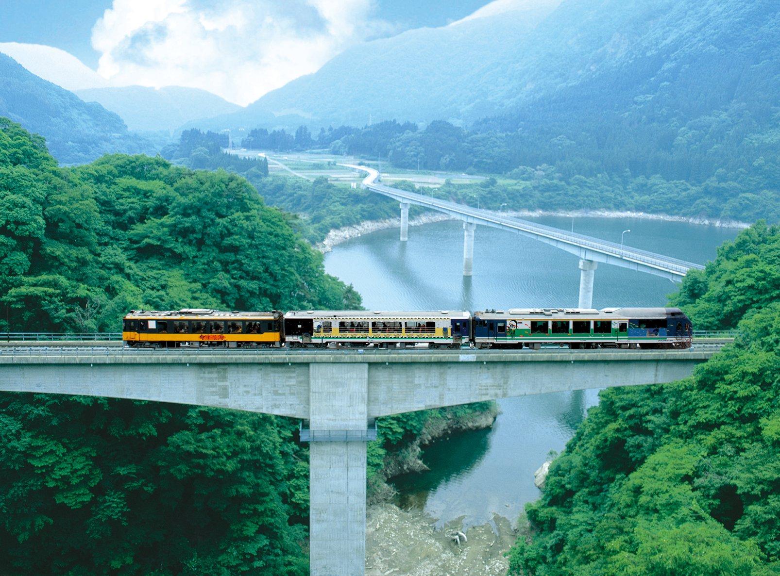 13)お座トロ展望列車(外観)橋梁
